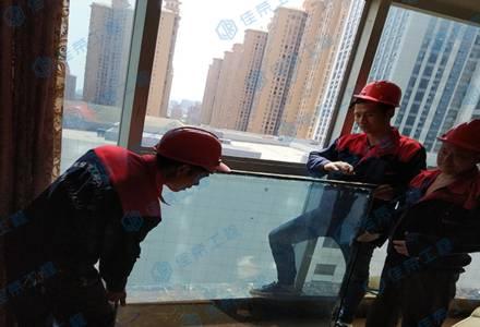 高空玻璃维修